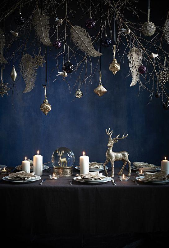 moody blue-και-χρυσό-χρώμα-στην-χριστουγεννιάτικη-διακόσμηση-