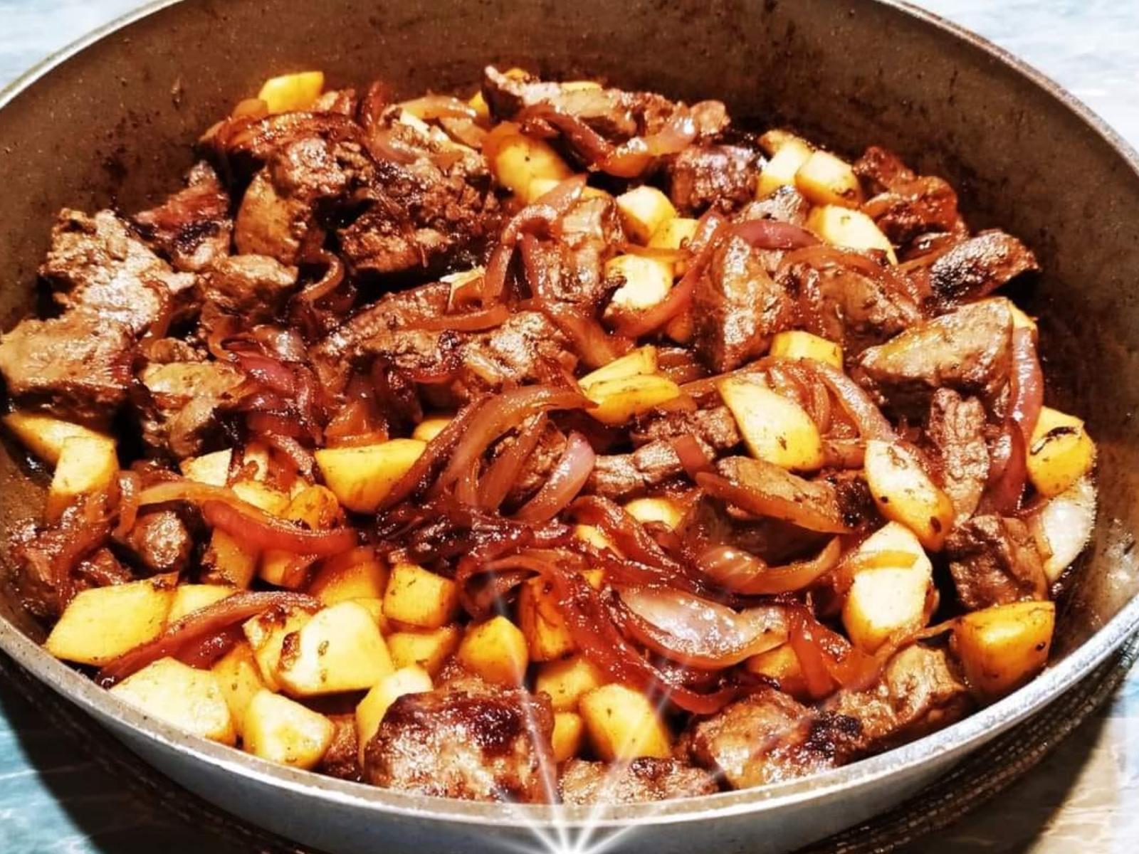 Συκώτι -στο- φούρνο -με- μήλα- και- κρεμμύδια-