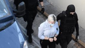 Δίκη βιτριόλι : Η Ιωάννα έφτασε στα δικαστήρια-Παρούσα και η δράστης