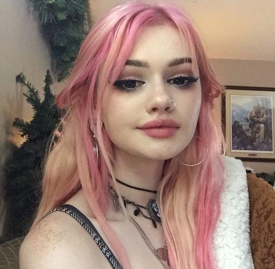 ροζ-ανταύγειες-σε-ξανθά-μαλλιά-ιδέες-