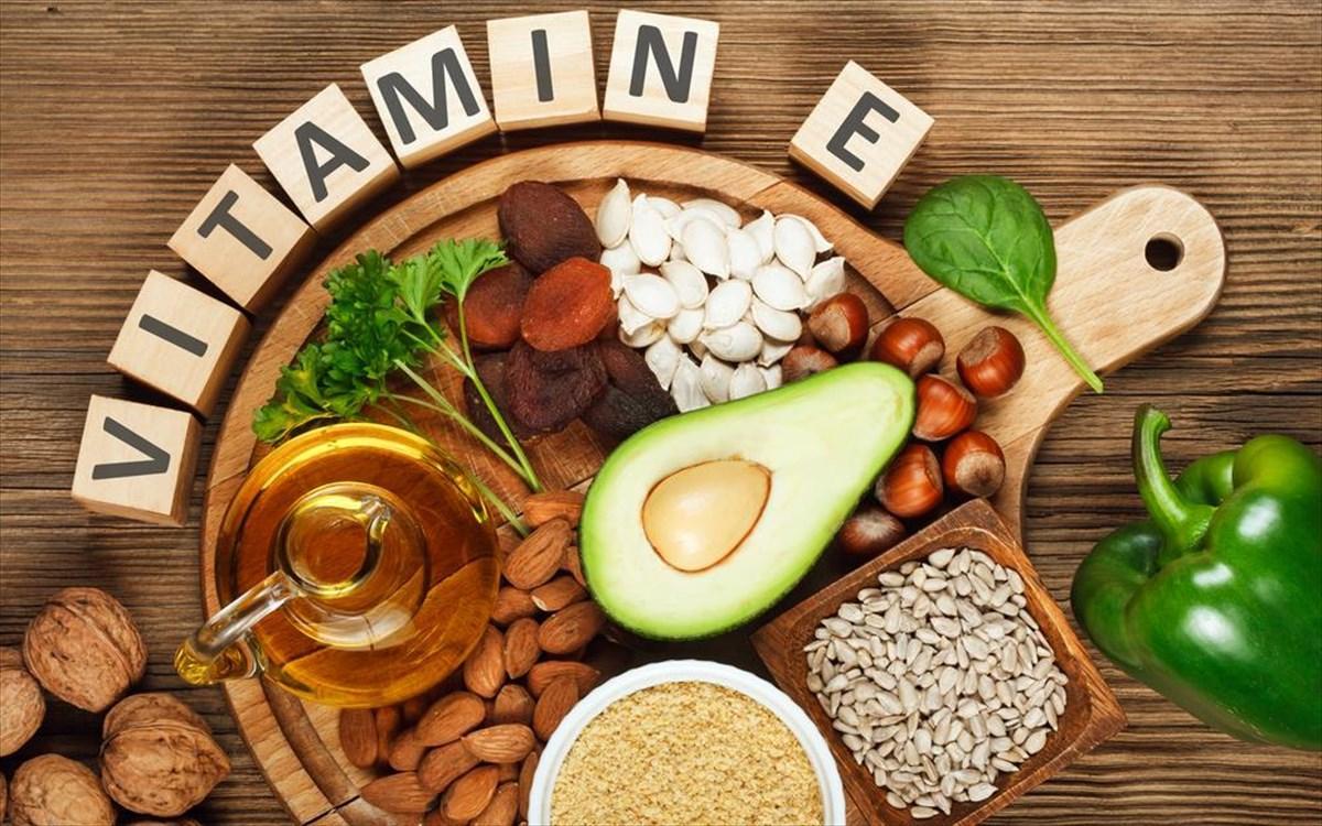 Βιταμίνη Ε: Σε ποιες τροφές υπάρχει & ποια είναι τα οφέλη για την υγεία
