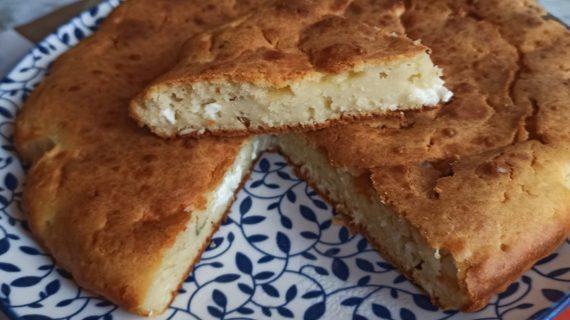 Αλμυρό κέικ με φέτα χωρίς γιαούρτι