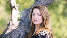 Έξαλλη η Άντζελα Γκερέκου για το δημοσίευμα περί νέου συντρόφου: «Δεν σέβεστε τον σύζυγό μου που έχασα μόλις πριν 3 μήνες»